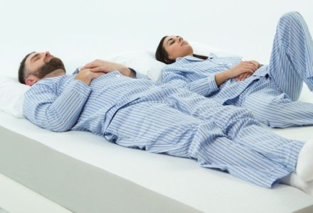 Couple looking for the best mattress