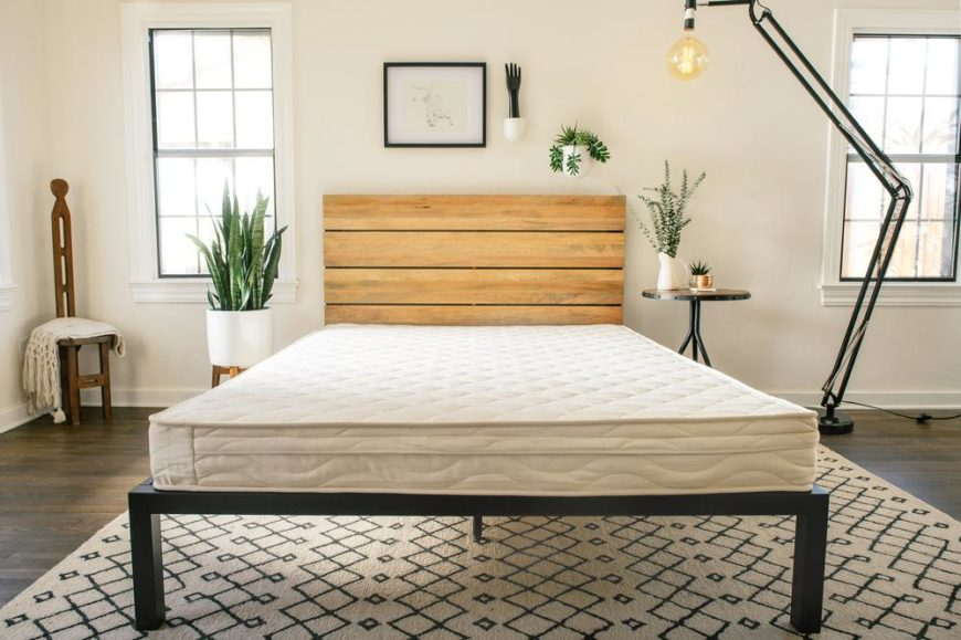 Metta Bed mattress in a bedroom