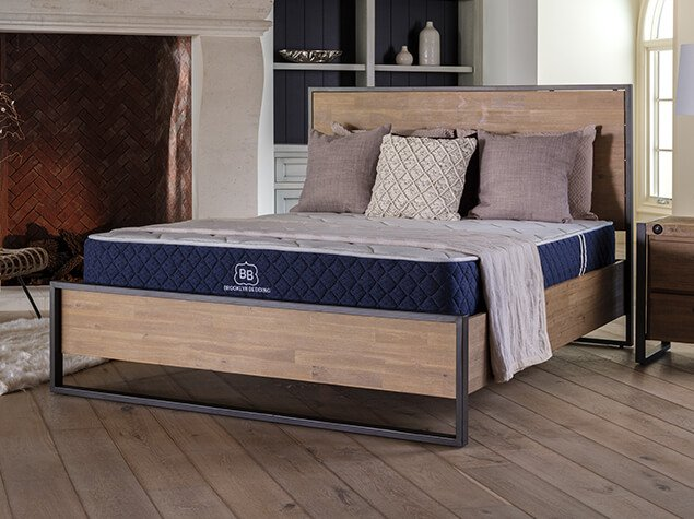 Brooklyn Signature mattress in a bedroom