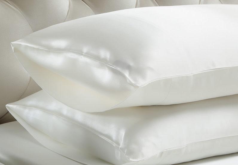 silk pillowcase e1554416960278