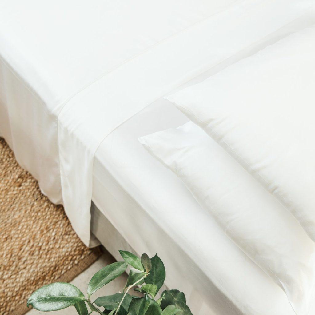 Ettitude organic bamboo lyocell sheet set feather white 1