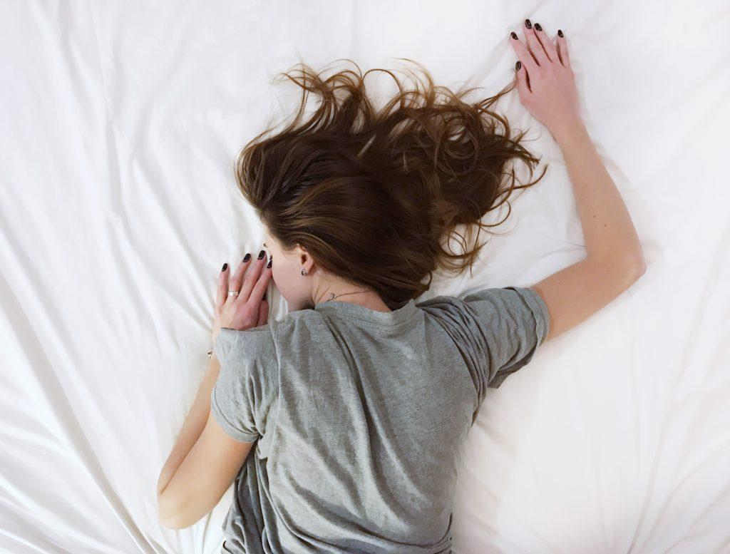 woman sleep hot