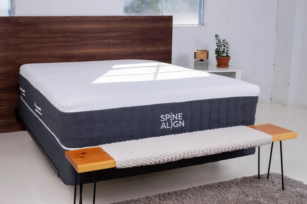 SpineAlign Hybrid in the bedroom